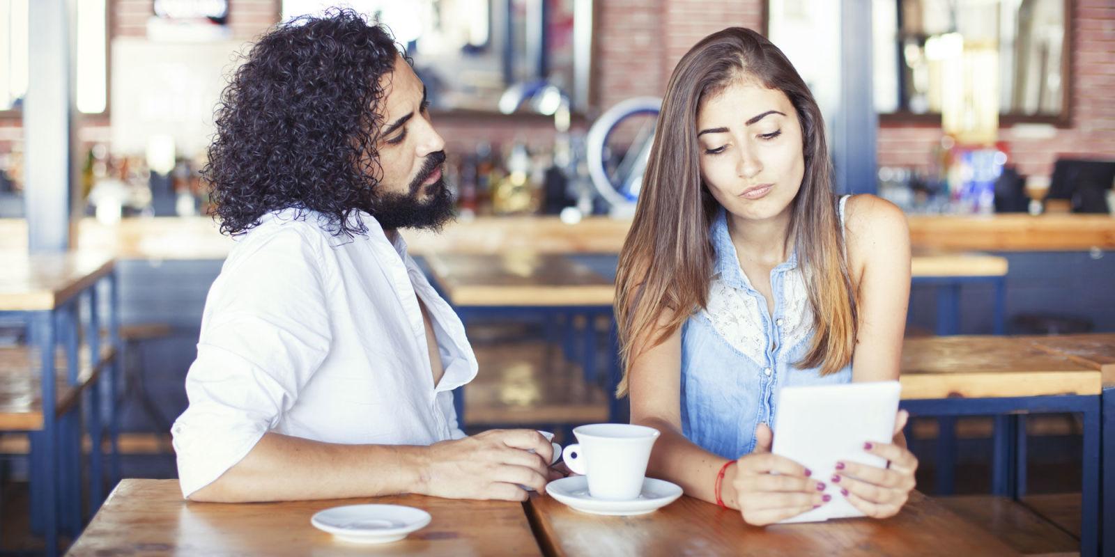 landscape-1450274318-relationship Jika 9 Masalah Ini Terjadi Pada Kamu dan Pasangan, Yakin Masih Mau Mempertahankan Hubungan?