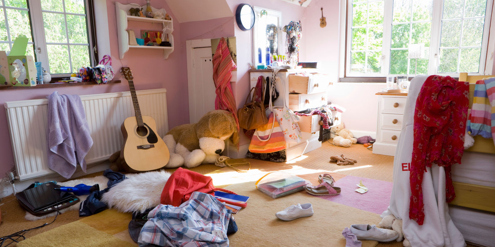 smelly teenage bedrooms cause sleep problems