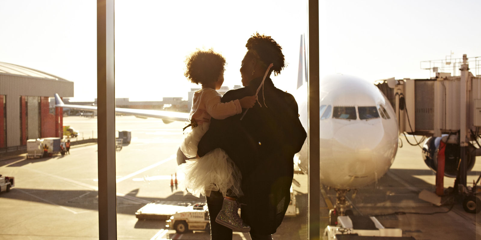 Phenergan 25mg boots.doc - Woman Holding Child In Airport Looking Out Window At Plane