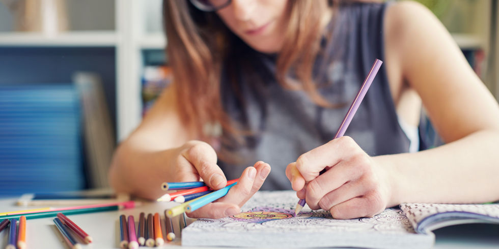 Colouring books for anxiety - A guide to adult colouring therapy ...