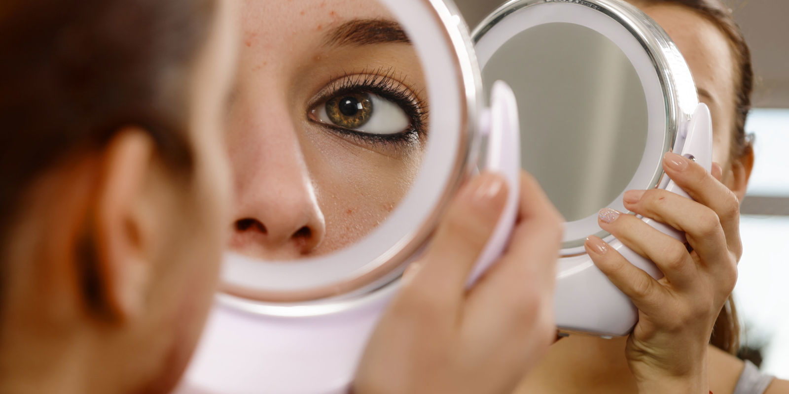 Are we ignoring the psychological impact of skin conditions for Looking for mirrors