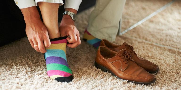 نتيجة بحث الصور عن Wearing Sneakers without Your Socks