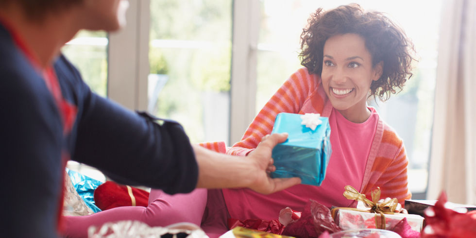 A psychologist explains how to give the perfect gift gift giving christmas negle Images